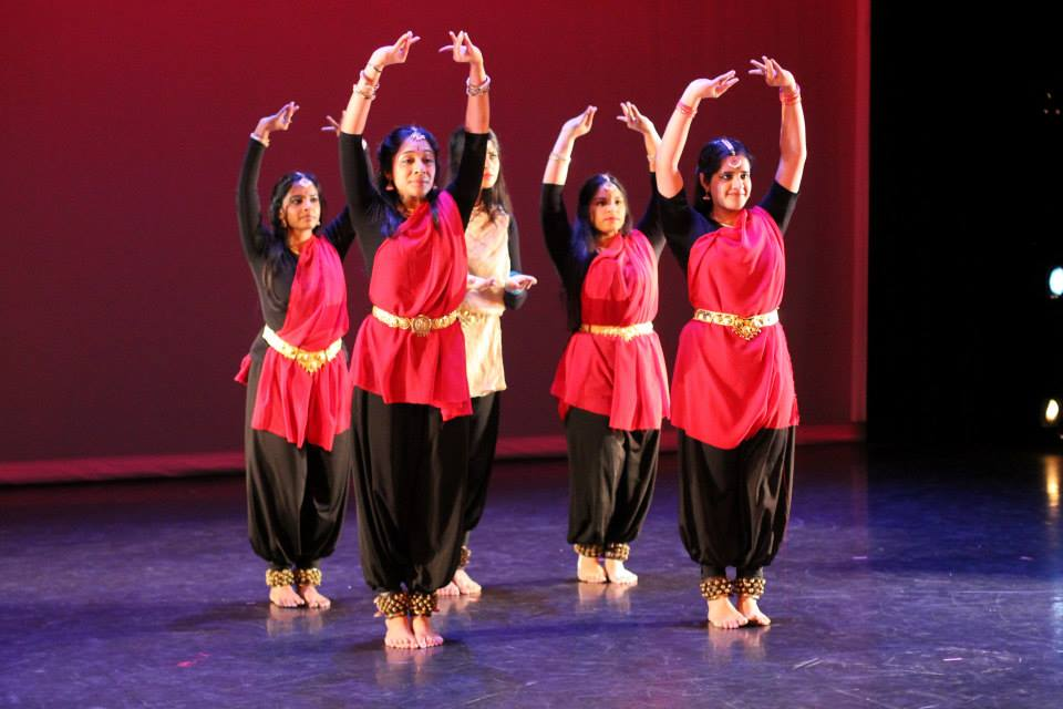 chorographic fusion between contemporary dance and Contemporary dance is a style of expressive dance that combines elements of several dance genres including modern, jazz, lyrical and classical ballet contemporary dancers strive to connect the mind and the body through fluid dance movements.