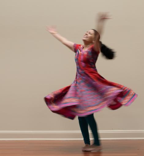 Door 1 Miracles & Messages - Ramaa rehearsing at dawn - Photo by Gajanan Hegde