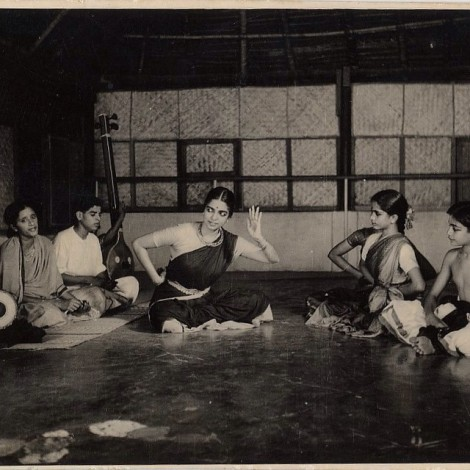 Image Courtesy: Kalakshetra Archvies (Prof. CV Chandrasekhar is seen on the extreme right)